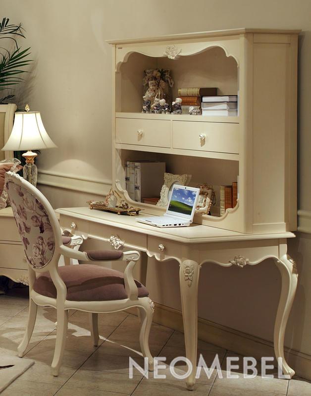 Письменный стол, отделка матовый лак цвета слоновой кости, з.