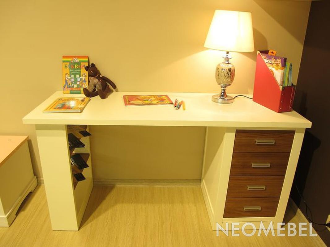 Письменный стол с открытыми полками, тумбой и столешницей, о.